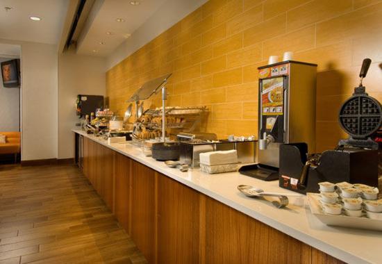 Woodbridge, VA: Breakfast Bar