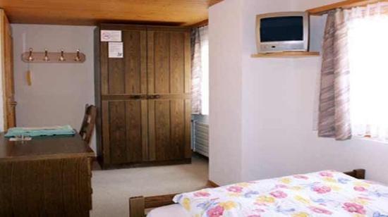 Fieschertal, Suiza: simple room, economy