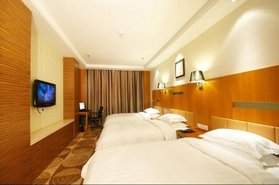Jinghai County, China: Deluxe Three Persons Room
