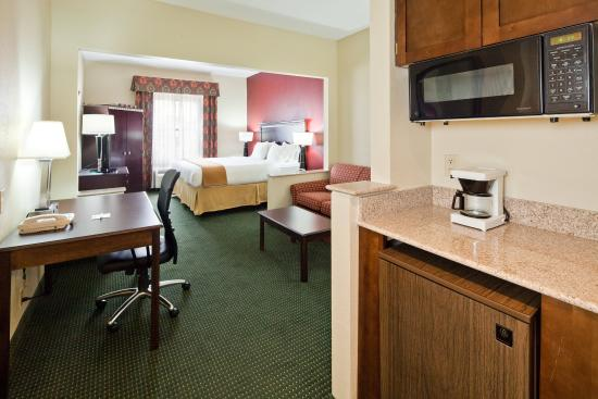 Ridgeland, MS: Suite