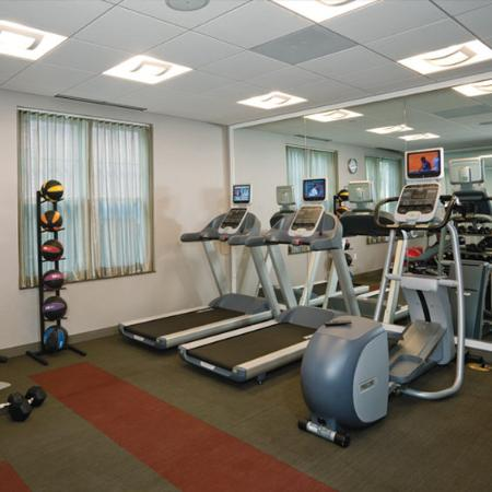 Six South St Hotel: Fitness Room