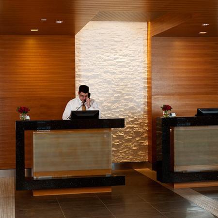 Six South St Hotel: Lobby