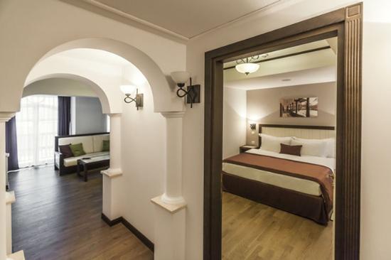 Epoque Hotel: Grand Executive