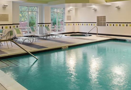 Puyallup, WA: Indoor Pool/Spa