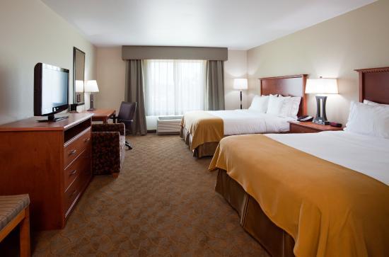 Mason City, Айова: Double Bed Guest Room