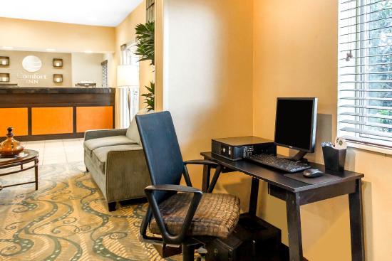 Comfort Inn Oklahoma City: Computer