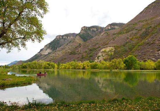 De Beque, Colorado: Fishing