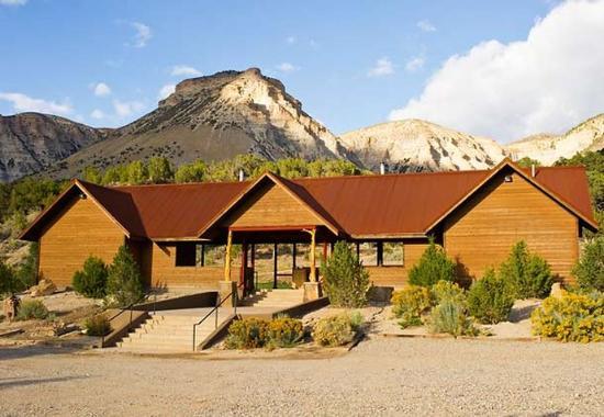 De Beque, Colorado: Shooting Pavilion