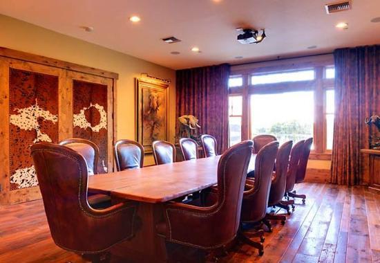 De Beque, Colorado: Safari Boardroom