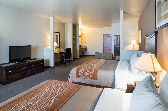 Stanton, TX: Queen suite