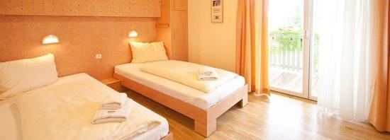 Furstenfeld, Austria: Triple room guesthouse
