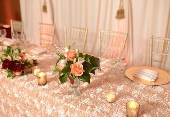 Santa Ana, Kaliforniya: El Dorado Ballroom – Banquet Setup Details