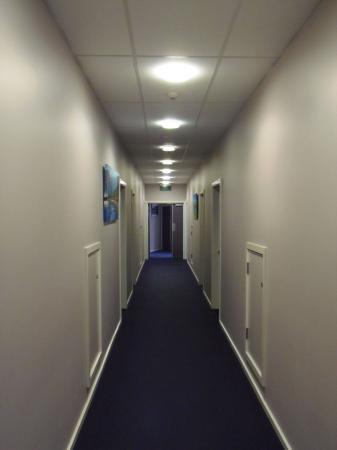Porirua, نيوزيلندا: Internal Access Corridor