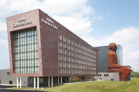 Hilton Garden Inn Leiden : Hotel exterior