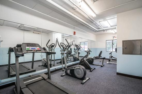 Econo Lodge Near Plymouth State University: Fitness Center