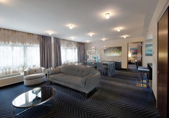 Plainsboro, نيو جيرسي: Presidential Suite - Living Room