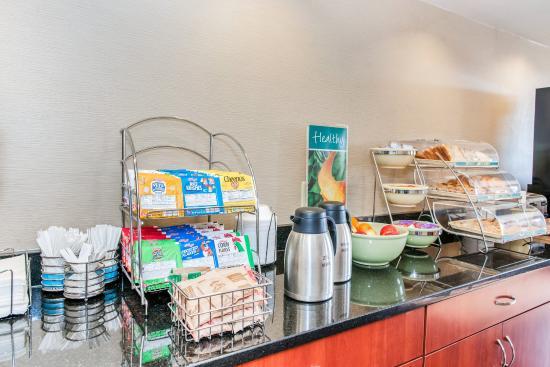 Effingham, IL: Breakfast Area