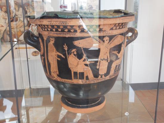 National Archaeological Museum: MANU - oggetti dal VIII al III sec. a. C. - 5