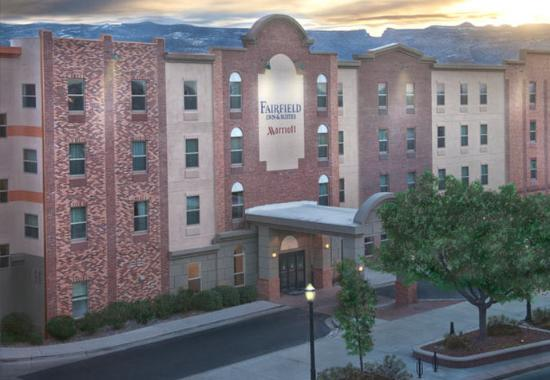 Fairfield Inn & Suites Downtown / Historic Main Street : Exterior