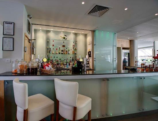 Hilton Garden Inn Bristol City Centre: Bar Area