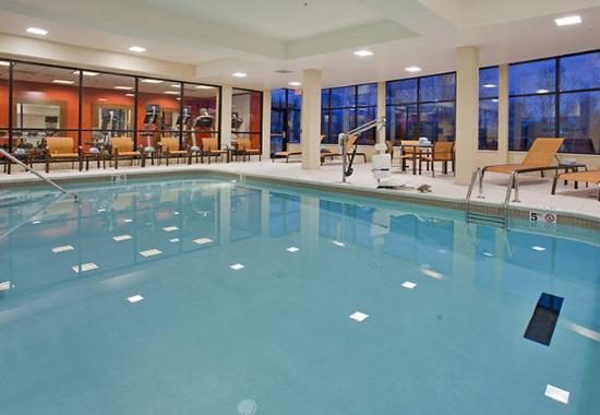 แครนเบอร์รีทาวน์ชิป, เพนซิลเวเนีย: Indoor Pool