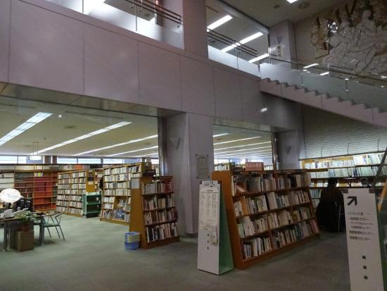 立川市立中央図書館