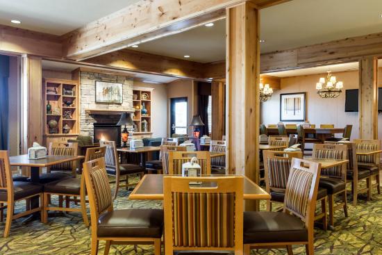 Williston, ND: Breakfast Seating