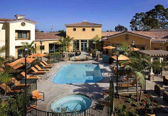 โกลตา, แคลิฟอร์เนีย: Outdoor Pool
