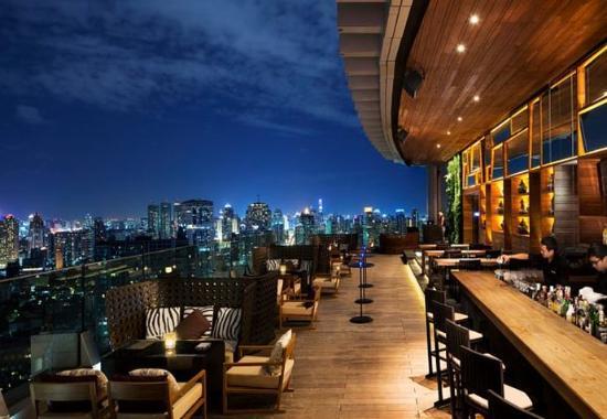 Bangkok Marriott Hotel Sukhumvit: Octave Rooftop Lounge & Bar – Dining Area
