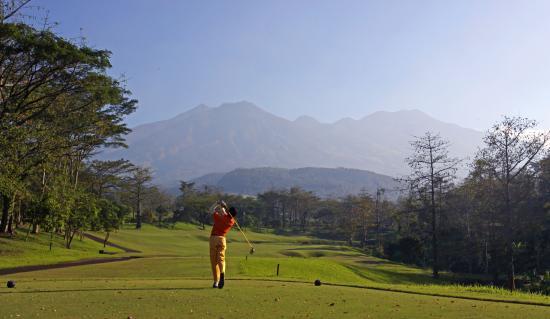 Taman Dayu Golf Club: Taman Dayu Hole 5 - Jack Nicklaus Signature Golf Course