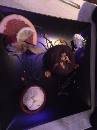 Craponne, Frankrike: Dessert - Fondant au chocolat !