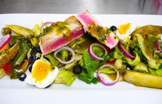 Dauis, ฟิลิปปินส์: Nicoise salad