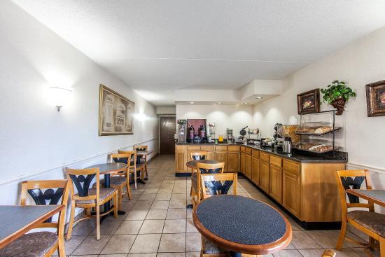 Rodeway Inn Sweetwater: Breakfast
