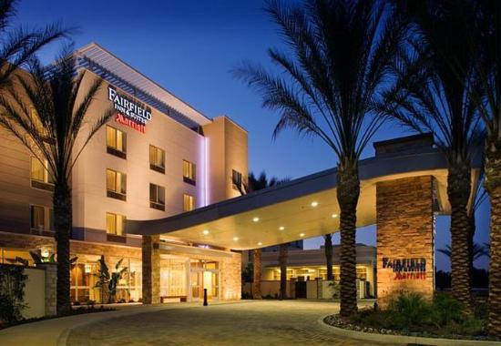 Tustin, Kaliforniya: Entrance