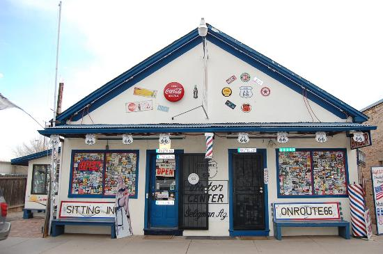 Angel & Vilma Delgadillo's Route 66 Gift Shop & Visitor's Center: 目を引く景観です。