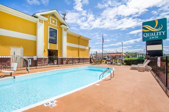 Alexander City, AL: Pool