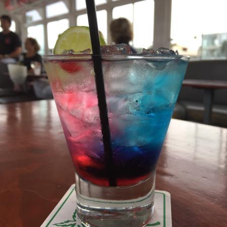 Mooloolaba, Australia: Fabulous drinks fabulous food and friendly staff. Very worth the money.