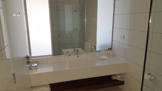 Caroline Springs, Austrália: Functional Bathroom