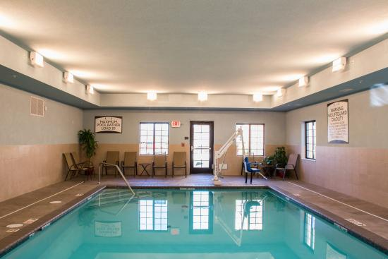 Schererville, IN: Indoor Heated Pool