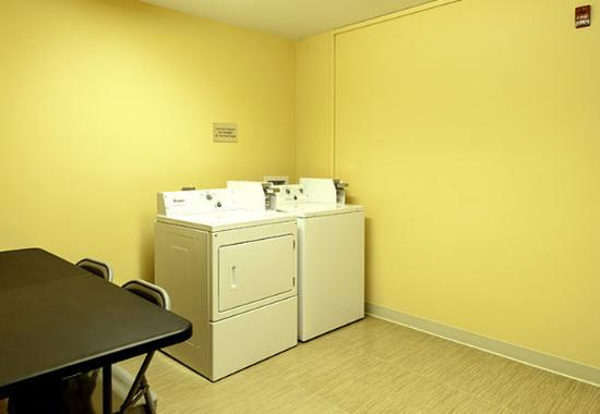 Meridian, MS: Guest Laundry Facility