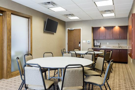 Watford City, ND: Meeting Room