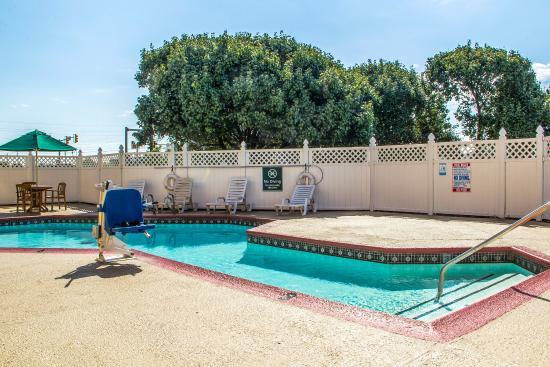Quality Inn : Pool