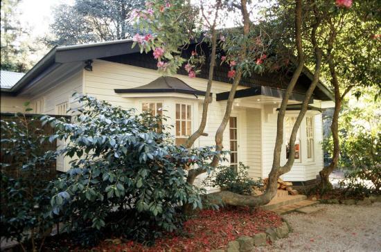 Olinda, ออสเตรเลีย: 4 Bedroom Cottage