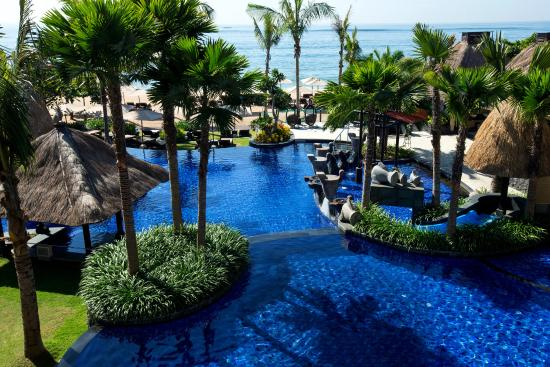 Peninsula Beach Resort Tanjung Benoa: Hotel Exterior