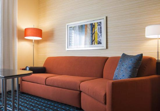The Dalles, OR: Suite Living Area