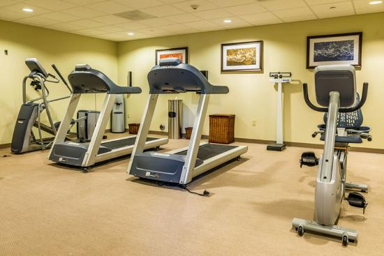 Chandler, AZ: Maintain your fitness routine in our onsite fitness center
