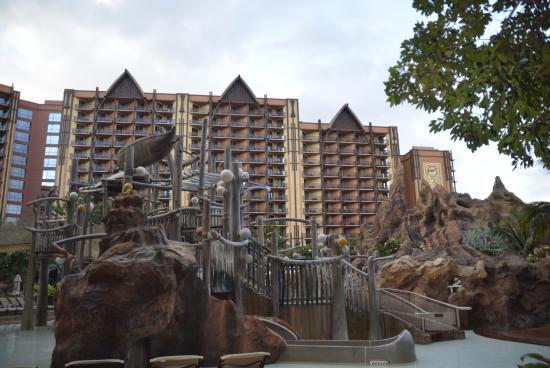 Aulani, a Disney Resort & Spa: Kids water play area
