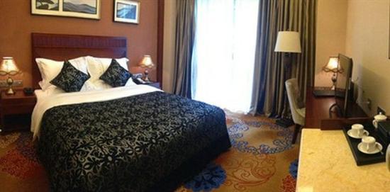 Dujiangyan, China: Mountain View Room