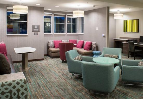 Clifton Park, estado de Nueva York: Business Center