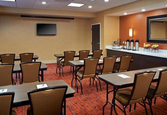 Ann Harbor, MI: Innovation Meeting Room